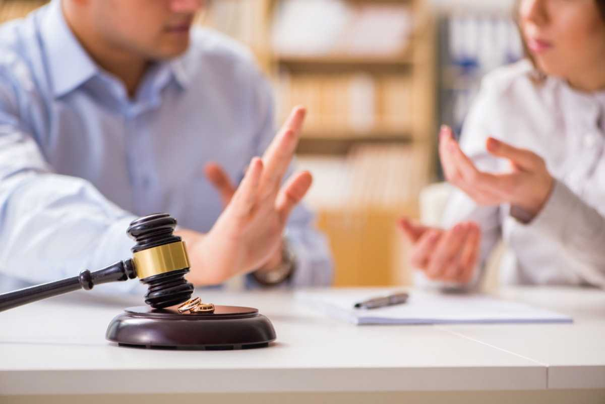 How To Navigate Divorce When Criminal Charges Are Involved